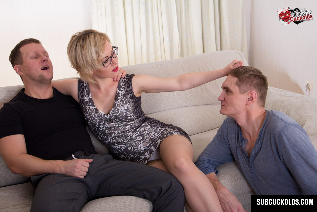 Milf cuckolds husband with a guy from the net 2